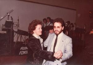 Flavio con la madre Marlene Sacco il giorno della sua laurea (3 settembre 1983)